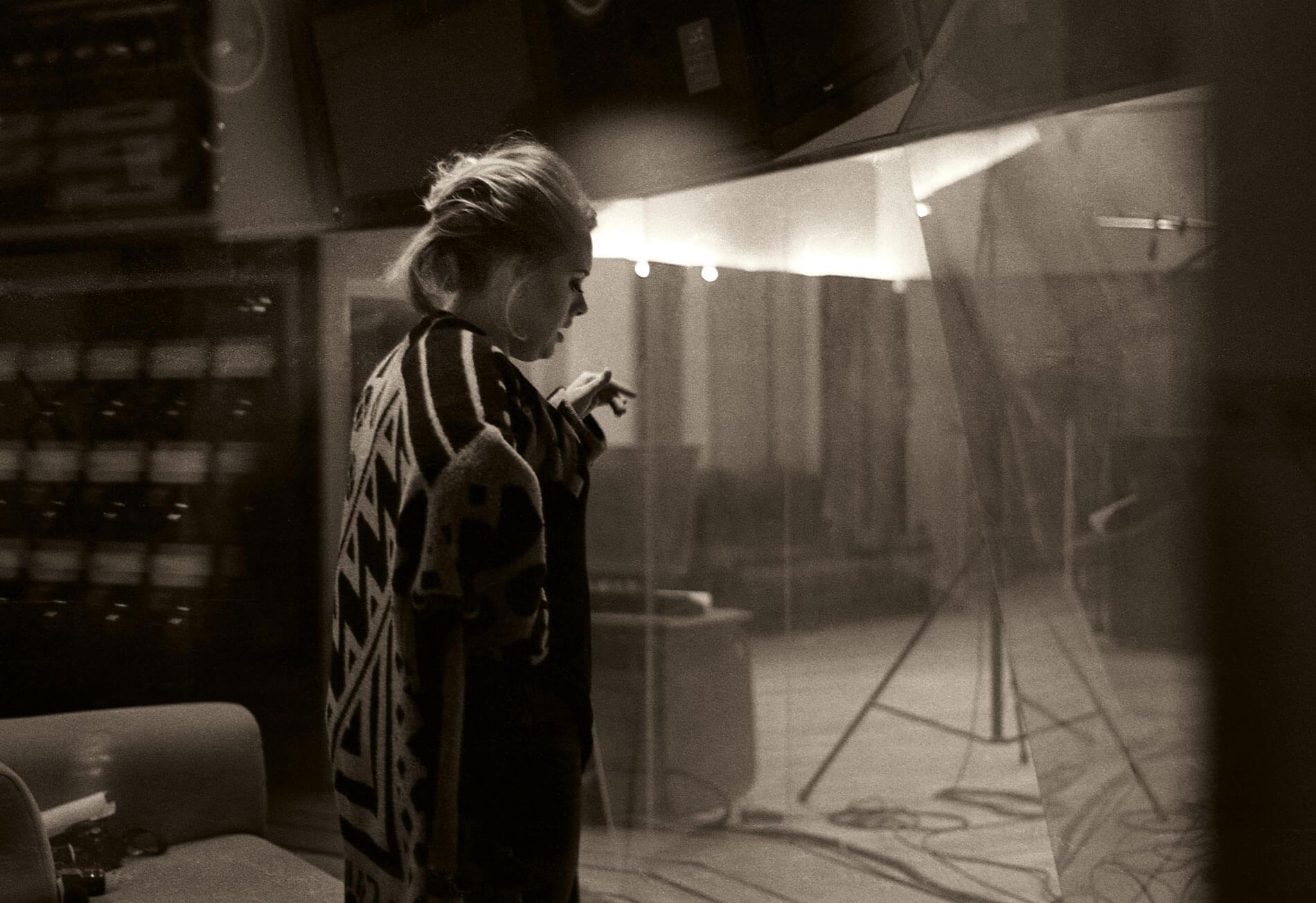 Adele-studio3